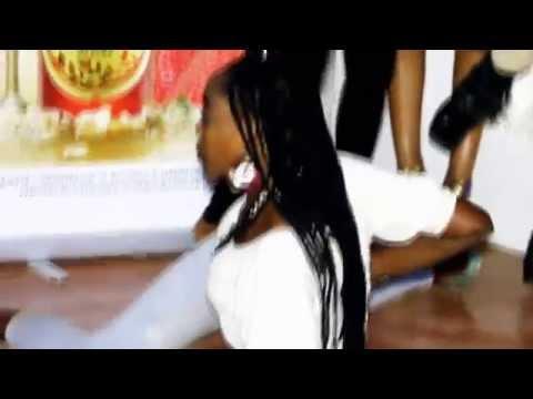 CRAZY DANCE AT CLUB VENUS MERU.What Happens In Venus,Stays In Venus.