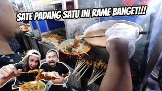 SATE PADANG DI PASAR YANG RAME BANGET!!!   FT. GERRY GIRIANZA