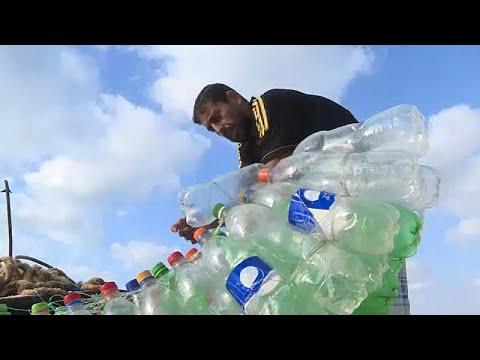 Γάζα: Νικώντας την ανέχεια με μια ψαρόβαρκα από πλαστικά μπουκάλια…