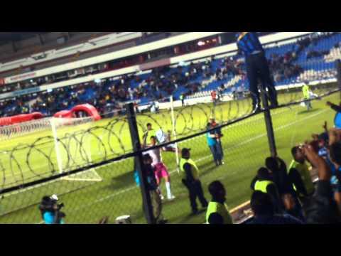 """Resistencia Albiazul - José Guadalupe Martínez"" Barra: La Resistencia Albiazul • Club: Querétaro"