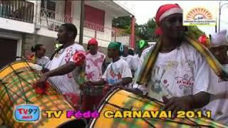 preview picture of video 'Défile d'ouverture du Carnaval 2011 de la Fédé à Basse-Terre le 9 Janvier 2011'