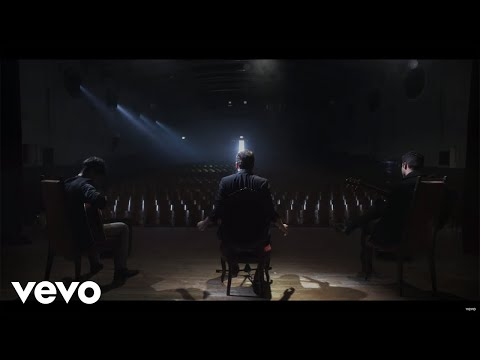 LETRA MOMENTOS (ENGLISH LYRICS) - Reik | Musica.com