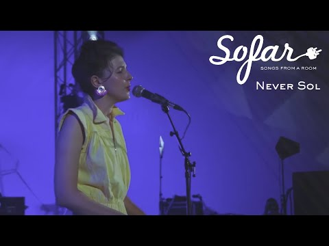 Never Sol - Zoe | Sofar Kyiv