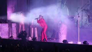 Robyn - 'Dancing On My Own' (live) - Madison Square Garden - NYC - 3/8/19