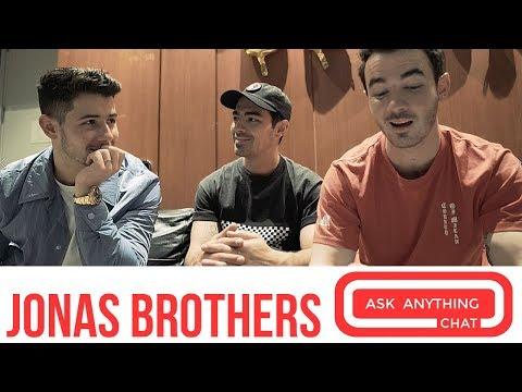 """Jonas Brothers Talk Frankie """"Bonus"""" Jonas & Happiness Begins"""