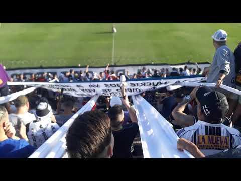"""""""Recibimiento de La Barra De Caseros."""" Barra: La Barra de Caseros • Club: Club Atlético Estudiantes"""