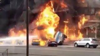 Бензовоз взорвался в центре Алматы. Авария на Сейфуллина Калинина. Полное видео