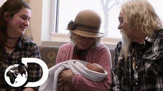 The Brown Family Meet Their Newest Member   Alaskan Bush People
