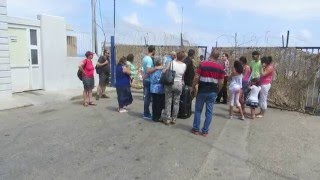 preview picture of video 'Rosh HaNikra - getting ready to cross the Israeli border to the Lebanese side'
