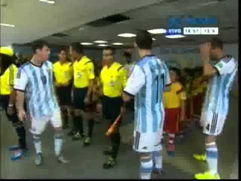 Full tình huống Messi không bắt tay với cậu nhóc, anti cắt xén.