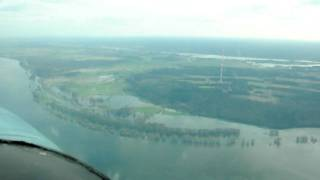 preview picture of video 'Flying over Elbe River, Germany in a Cessna TP206D Super Skylane, part2'