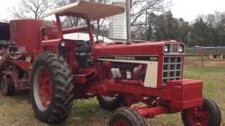 IH 686 Turbo grinding feed with CaseIH 1250 Grinder Mixer