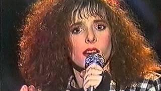 "Mylene Farmer ""Maman a tort"" LIVE FR3 1984"
