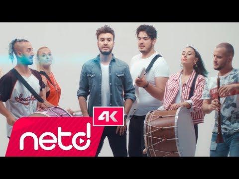 Sinan Ceceli Feat. Mustafa Ceceli – Aşığız