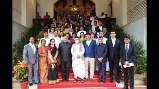 30.07.2021: Ex Thane CP Vivek Phansalkar, Addl. Collector Vaidehi Ranade receive Thane Citizen's Pride Awards;?>