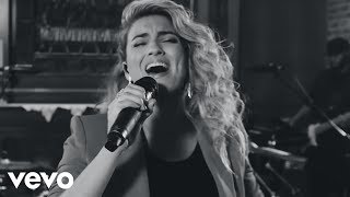 Tori Kelly ft. Kirk Franklin - Never Alone(Live) [Official Video]