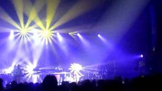 Basement Jaxx ''Day Of The Sunflowers(We March On)'' live in Tokyo , japan 4/7