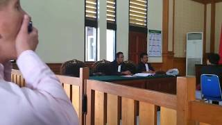preview picture of video 'Tety Carolina Commits Perjury, 2 April 2015, PN Denpasar'
