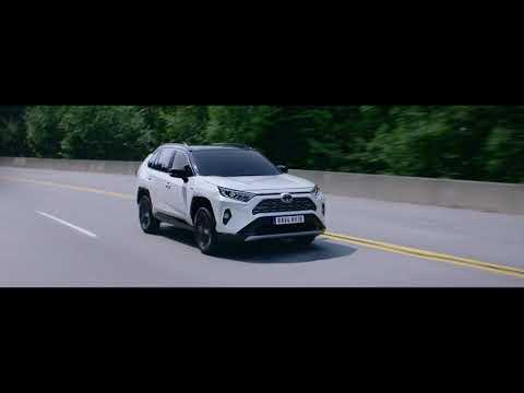 Toyota Rav 4 Hybrid Кроссовер класса J - рекламное видео 3