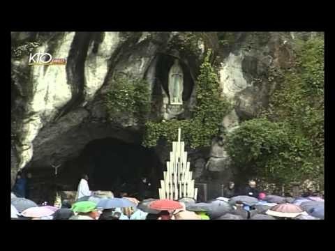 Chapelet à Lourdes