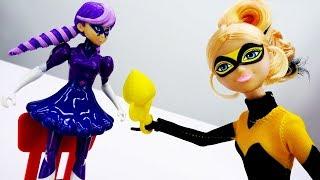 Распаковка новой куклы Квин Би - Видео для девочек