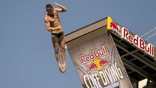preview picture of video 'Red Bull Cliff Diving World Series 2013 - Stop In La Rochelle'