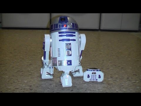 TOYS R US EXCLUSIVE R2 D2 INTERACTIVE ROBOTIC DROID VIDEO TOY REVIEW