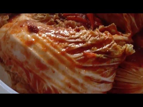 Bikin kimchi versi gua, manis,asem,pedes,segerrr..pokok nya mantul deh🤤