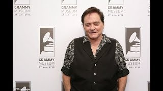 Jefferson Airplane singer Marty Balin sues hospital, claiming he lost part of his tongue after botch