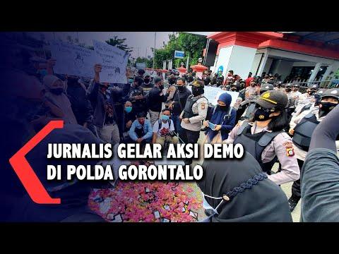 oknum polisi intimidasi jurnalis puluhan jurnalis gelar aksi demo di polda gorontalo