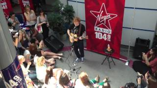 "Ed Sheeran performs ""No Diggity - Thrift Shop"" live and unplugged - June 26, 2013"