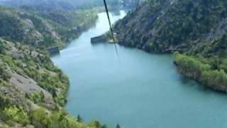 Video : China : Zip-line across a valley at SiMaTai Great Wall 司马台长城