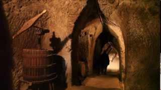 preview picture of video 'Pitigliano e il vino, una tradizione scavata nel tufo'
