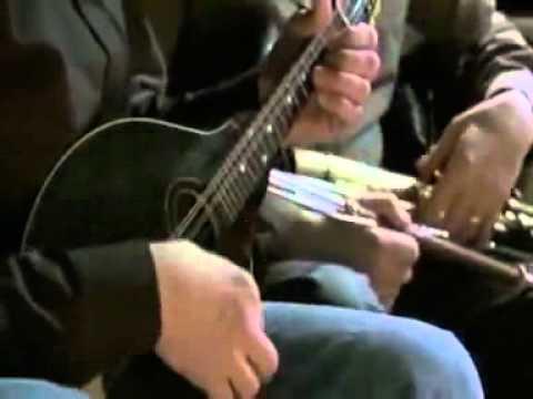 Dan Tyminski-Down In The Willow Garden [www.keepvid.com].mp4