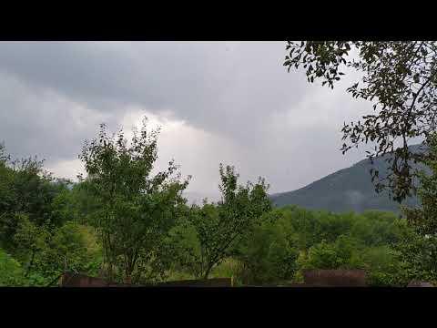 Звуки природы : шум дождя в Карпатах (слушать в наушниках)
