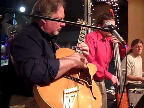 Bill Barnes Trio Excerpts from performances Rock City Cafe, Rockland, Maine 2012.mp4
