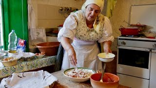 Discover a wedding pasta dish from Sardinia! | Pasta Grannies