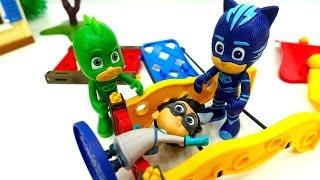 ГЕРОИ В МАСКАХ против злодеев! Видео с игрушками из мультиков. Пижамомаски ПОПАЛИ В ПРОШЛОЕ!