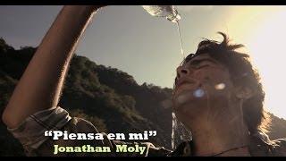 Video Piensa En Mi de Jonathan Moly
