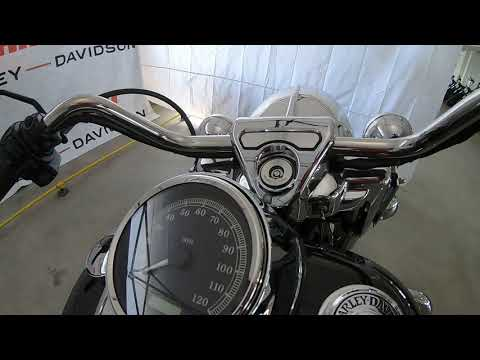 2012 Harley-Davidson Road King Classic FLHRC 103