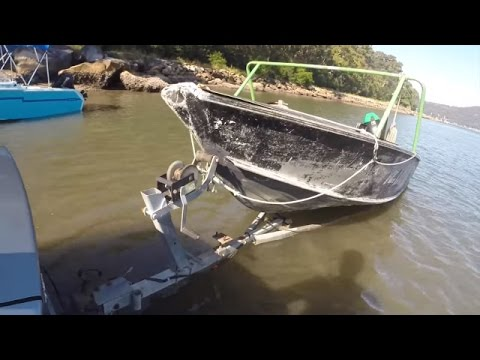 Beginner's guide to launching a trailer boat