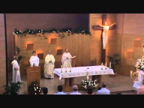 Comunión y Salve de Misa en Parroquia S.Juan Macías