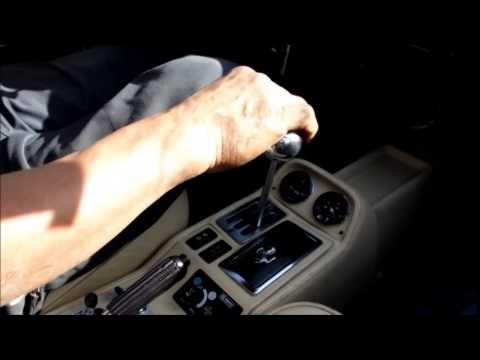 Trattamento di unghie dopo gel.
