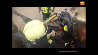 preview picture of video 'Tag der offenen Tür 2014 Videorückblick _-_ Feuerwehr Pfaffenhofen a.d.Ilm'