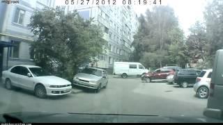Женщина за рулем прикол.