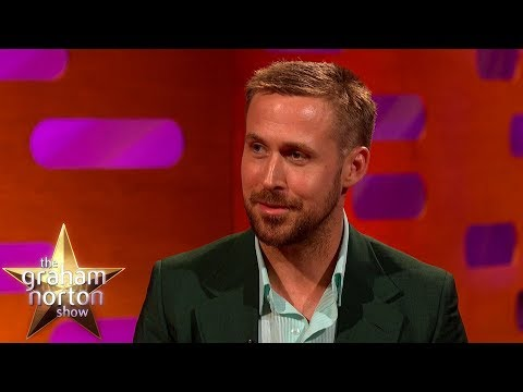 Ryan Gosling o létání a svém vstupu do showbyznysu - The Graham Norton Show