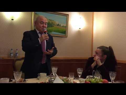 Якутский министр спел на банкете для дорогих гостей