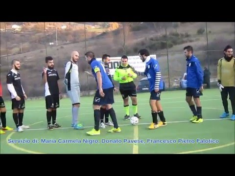 Preview video Video calcio a 5 Laurenzana-Paul Mitchell Pz 2-3 Serie D girone B 4 giornata Laurenzana 5 dicembre 2015