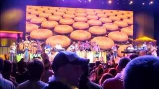 Cheeseburger in Paradise - Jimmy Buffett at Jiffy Lube Live 2014