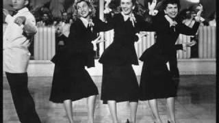 Bei Mir Bist Du Schön - The Andrews Sisters w/Lyrics